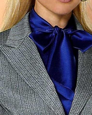 Anzug in grau-silber von APART
