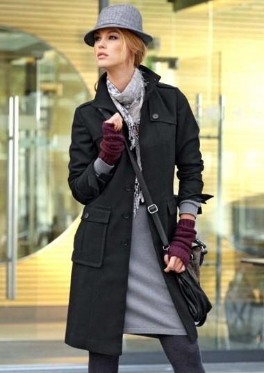 Wollmantel, schwarz von Aniston